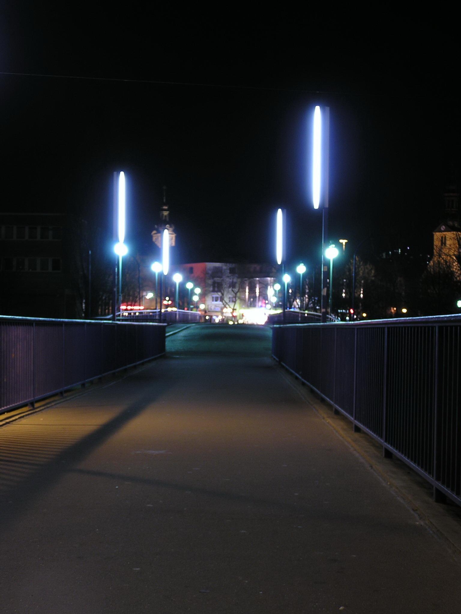 Nachtbild 003: Fussgängerbrücke